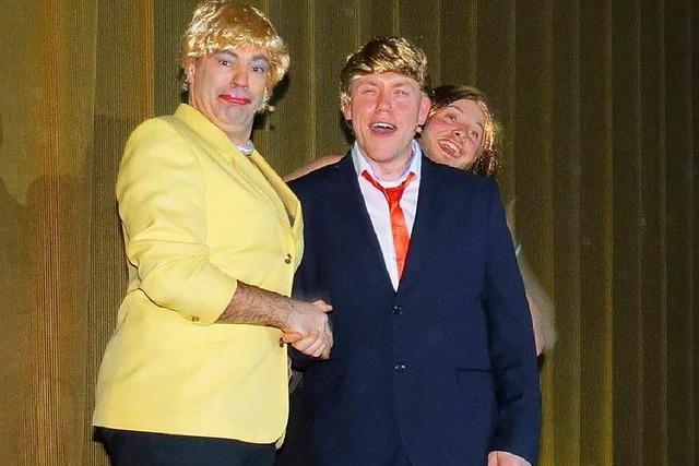 Frau Merkel gurgelt beim
