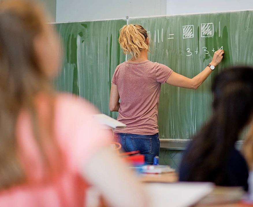 Frontalunterricht sei keineswegs eine ...mberg, meint Leser Helmut Gattermann.   | Foto: dpa
