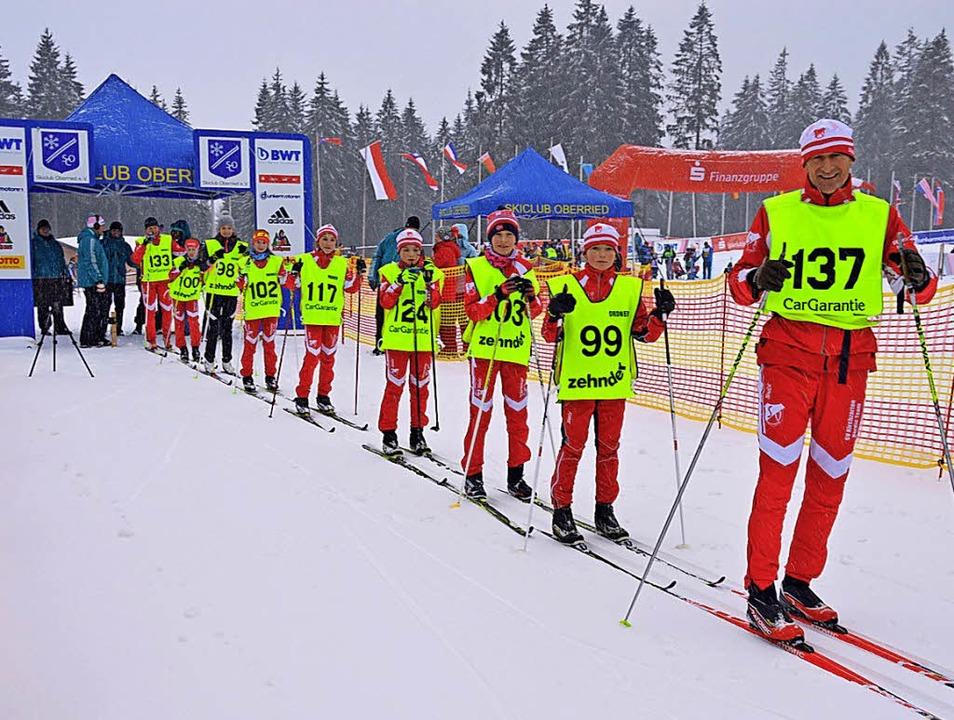Eine Stunde lang liefen die jungen Nac...chneeflug ihre Runden auf der Strecke.  | Foto: Gerhard Lück