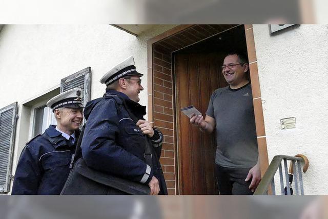 Polizei in Weil gibt an der Haustür Tipps gegen Einbrecher