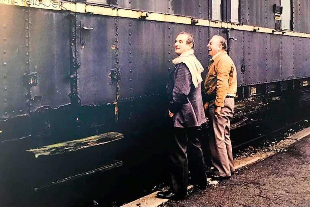 Echte Freunde, echte Männer: Paul Bocu...iburger Güterbahnhof im November 1984.  | Foto: privat