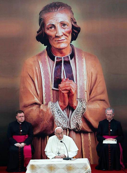 Am Samstag sprach Papst Franziskus im ...estern, Ordensleuten und Seminaristen.  | Foto: dpa