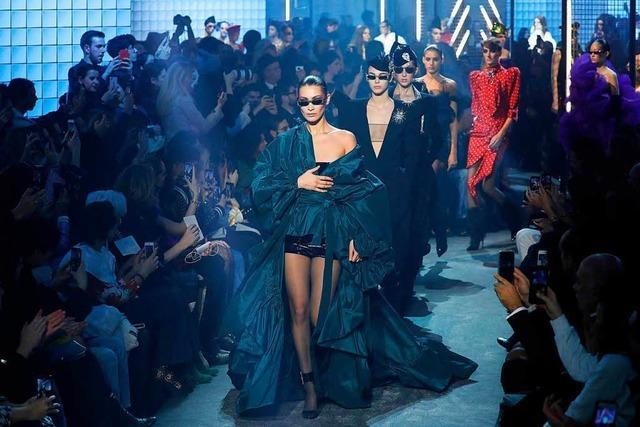 Modeexperte zur Kleidungsunterschieden: