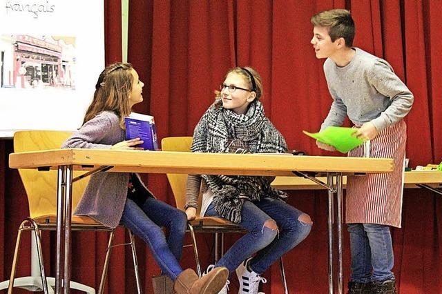 Breisacher Gymnasiasten und Schüler des Lycee Bartholdi aus Colmar feierten die deutsch-französische Freundschaft