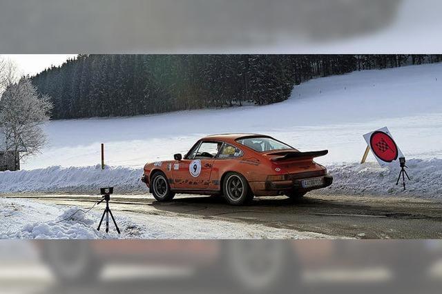 Oldtimer-Fahrer hoffen auf Schnee