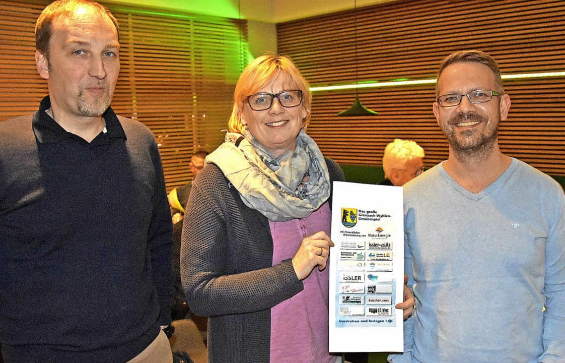 Joachim Schlageter (von links), Silke ...nde auf der Regio 2018 in den Händen.   | Foto: Heinz Vollmar
