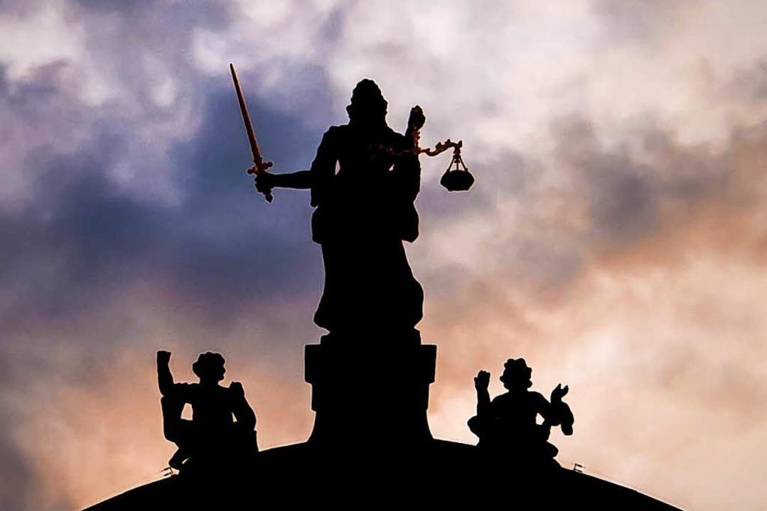 Der Angeklagte aus Appenweier muss sic...s Mordes zu verantworten (Symbolfoto).  | Foto: Alexandra Buss