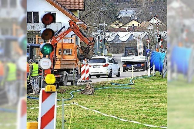 Bahnübergang gesperrt: Verwirrung um Baustelle