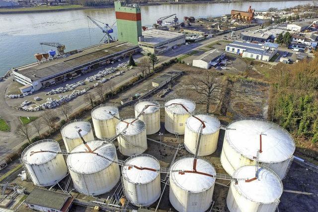 Zwischenlager für ungefährliche Bauabfälle auf dem Hafengelände