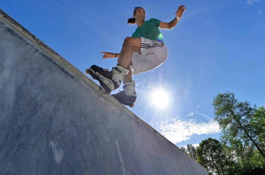 Im Skater-Himmel: Szene bei der Eröffn...ten Teils der Anlage im Dietenbachpark  | Foto: Michael Bamberger