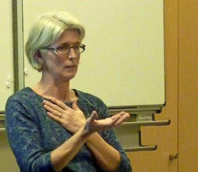 Antje Herzog hielt einen Vortrag zum  Thema Mobbing.  | Foto: Privat