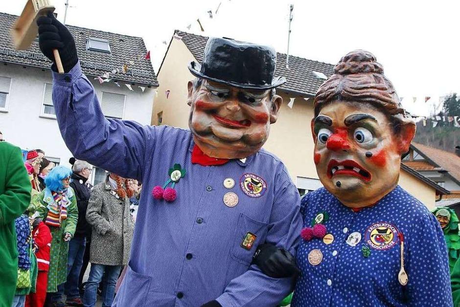 Am Sonntag zog das närrische Volk durch die Sulzer Straßen. (Foto: Heidi Foessel)