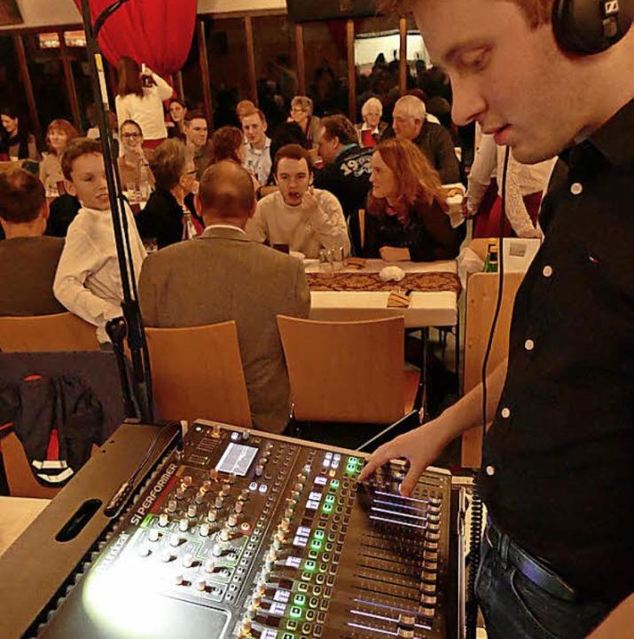 Ohne  ausgeklügelte Licht- und Tontechnik geht es nicht.  | Foto: Ulrich Senf