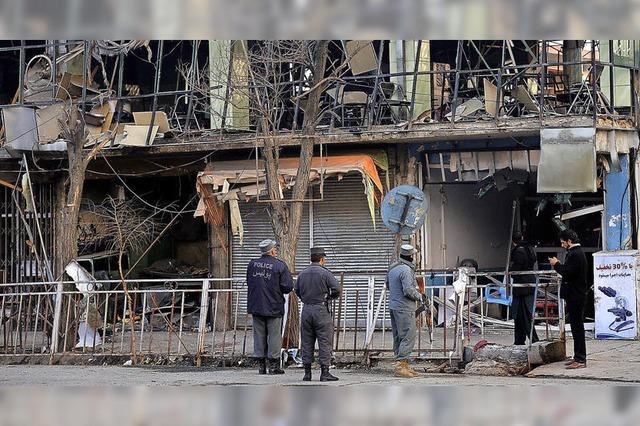 Mehr als 100 Tote bei Taliban-Anschlag