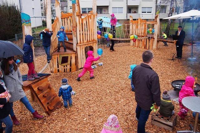 Neue Kletterlandschaft im Fröbelkindergarten Steinen