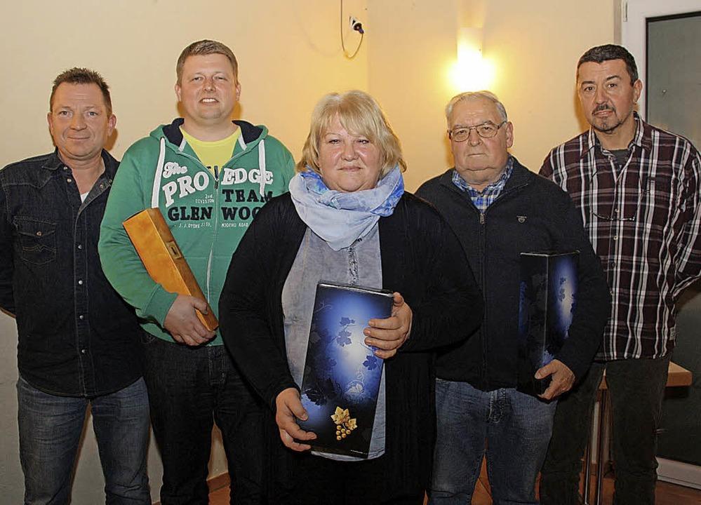 Thomas Adler, Vorsitzender des Angelsp...ks), Monika Schmieder und Heinz Adler.    Foto: Christiane Franz