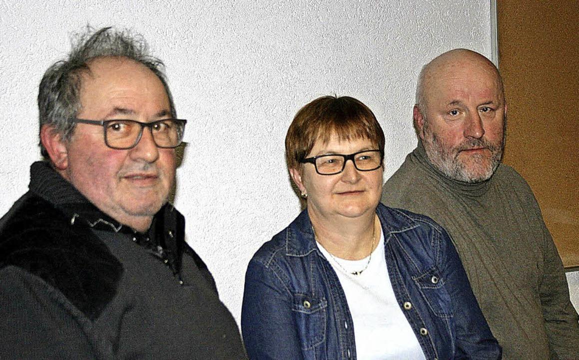 Eine neuer Vorsitzender ist mit Rolf W...zt fehlen noch Rechner und Beisitzer.   | Foto: Martin Frenk
