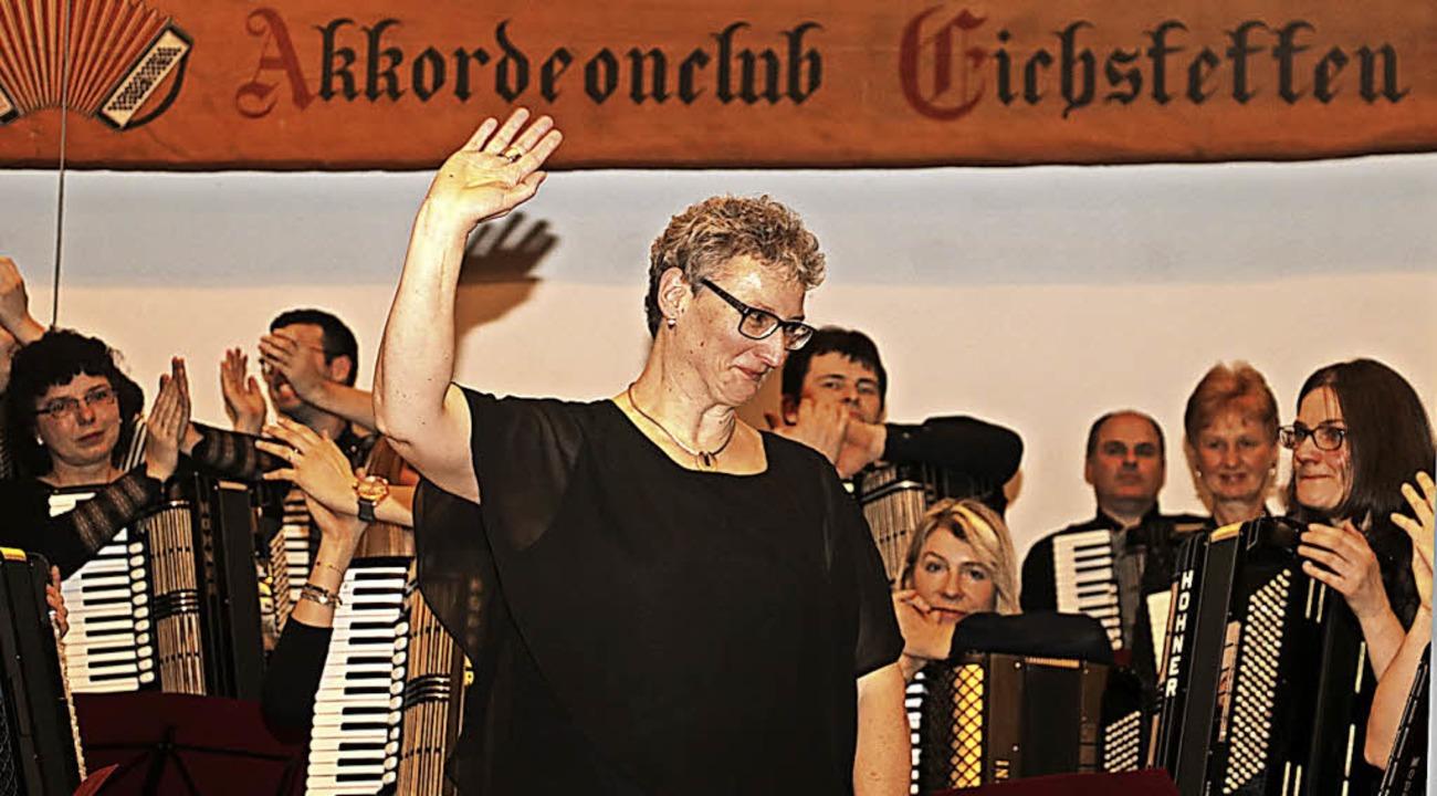 """Abschied nach 19 Jahren: Dirigentin An...appenecker sagt """"Tschüss"""".    Foto: Christa Rinklin"""