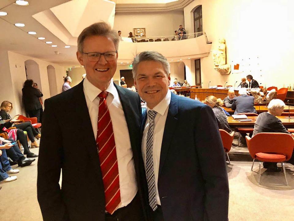 Stefan Breiter (rechts) ist neuer  Fin...leibt Kultur- und Sozialbürgermeister.    Foto: Joachim Röderer