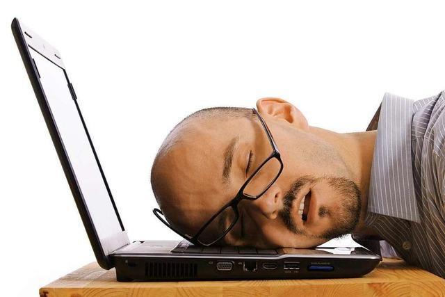 Experten plädieren für ein Mittagsschläfchen bei der Arbeit