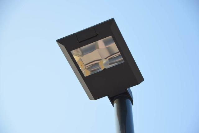 Der Stromverbrauch für die Straßenbeleuchtung hat sich mehr als halbiert