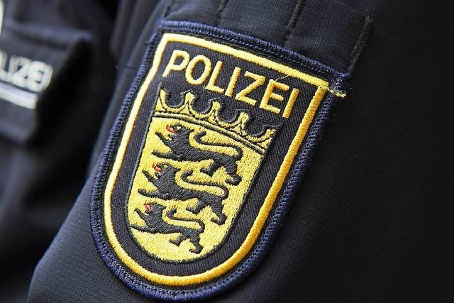 Junger Mann raubt 74-Jähriger in der Sundgauallee die Handtasche