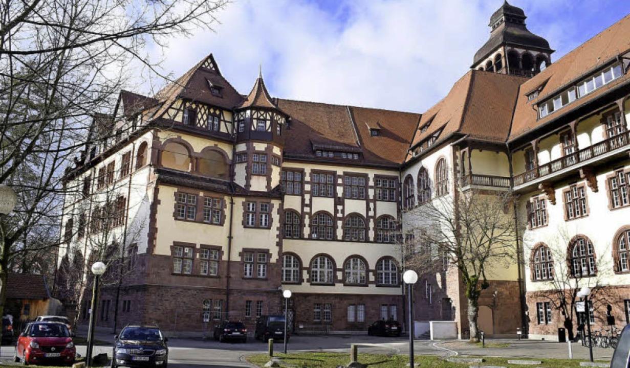 Das historische Gebäude an der Schütze...iten Teilen derzeit Hülle ohne Inhalt.  | Foto: Thomas Kunz