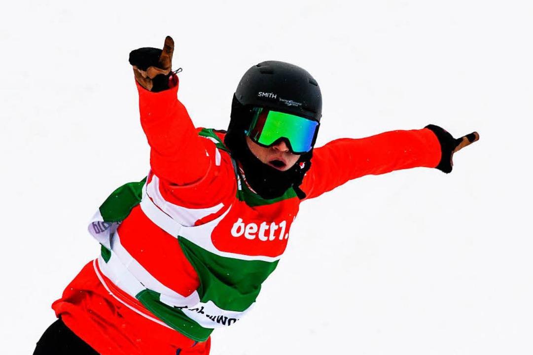 Julian Lueftner aus Österreich bejubelt den Sieg.  | Foto: dpa