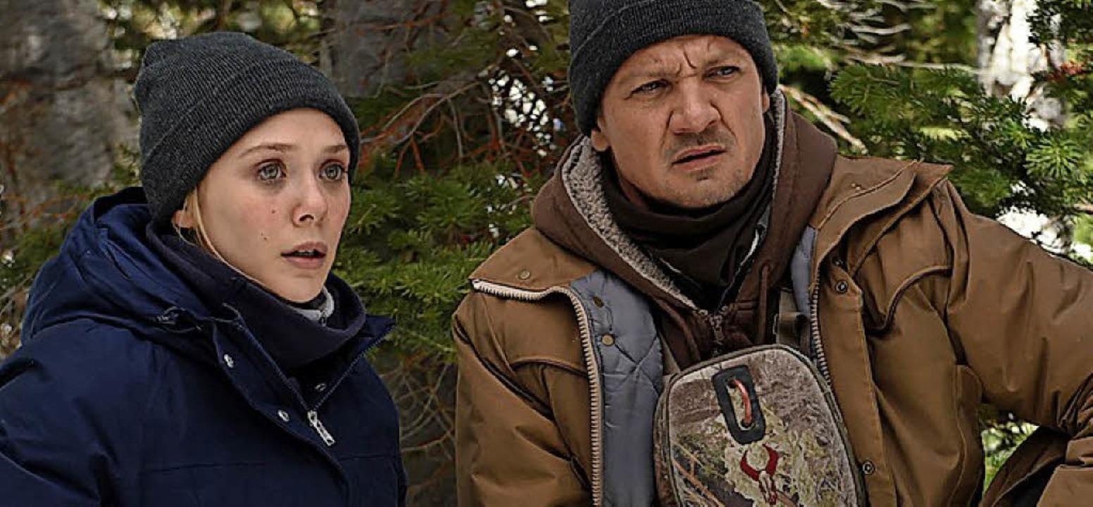 Auf Verbrecherjagd: Elizabeth Olsen al...d Jeremy Renner als erfahrener Ranger.    Foto:  dpa/Wild Bunch