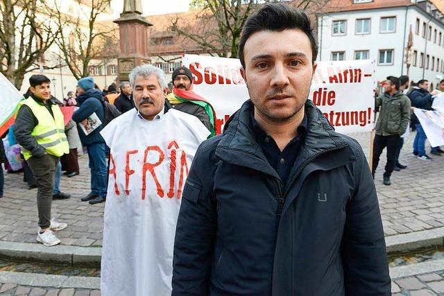 Hunderte Kurden protestieren in Freiburg