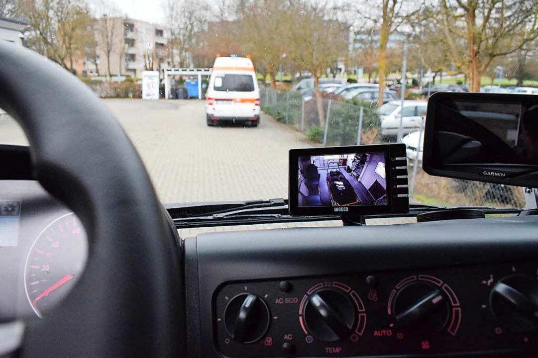 Trucker-Feeling mit Übersicht nach vor...Kamera-Blick nach hinten zum Patienten  | Foto: Frank Schoch
