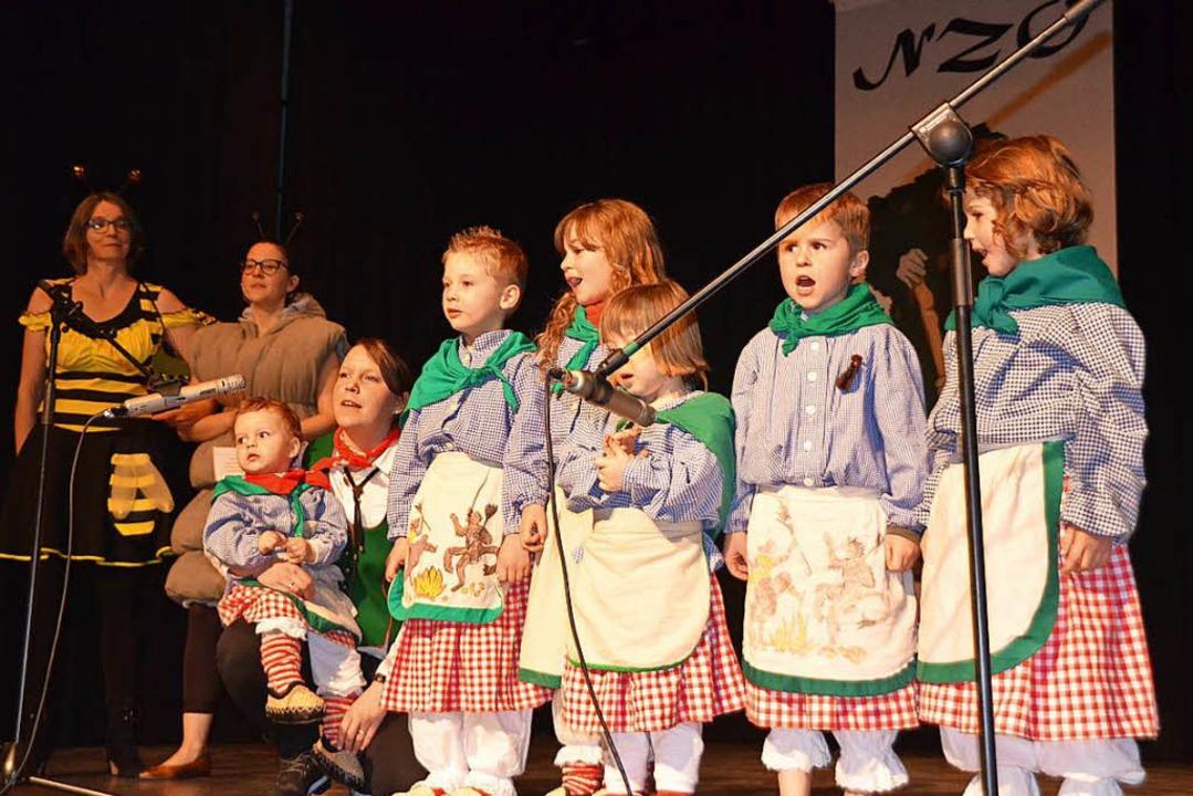 Der Narresome sang das Hüsemer Fasnetslied.    Foto: Jörg Schimanski