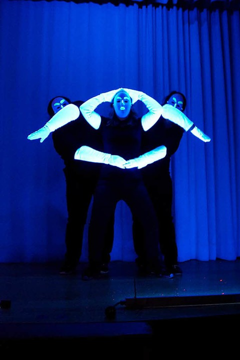 Poetisch: Geometrische Figuren im Schwarzlicht  | Foto: Silke Hartenstein