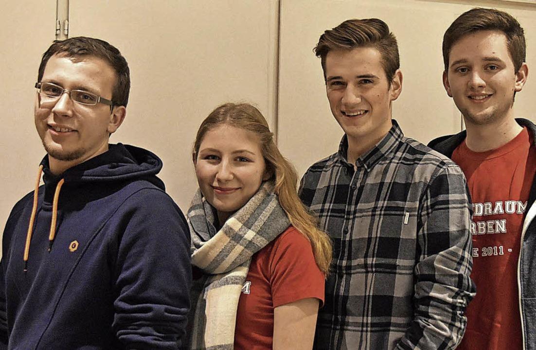 Vier Mitglieder des insgesamt 13-köpfi... Programm des Jugendraums im Rat vor.     Foto: Andrea Gallien