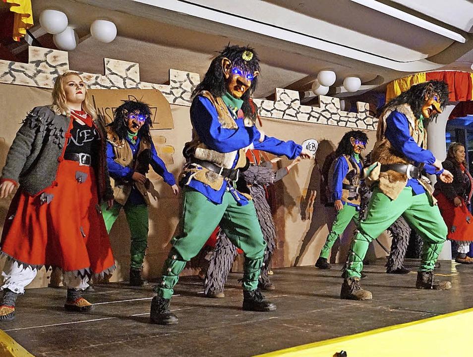 Eine Weltpremiere: Erstmals tanzten Bl...obolde und Eselstupfer Seite an Seite.  | Foto: Silke Hartenstein