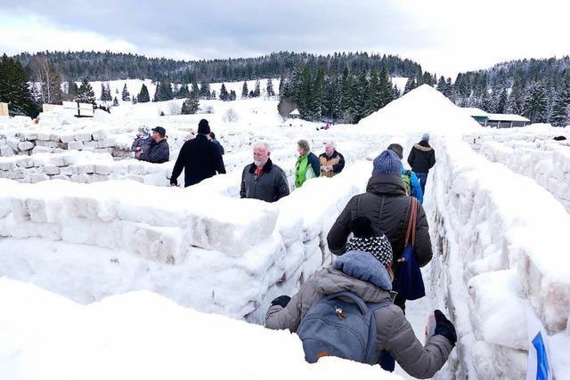 Schneelabyrinth in Bernau erlebt Besucheransturm