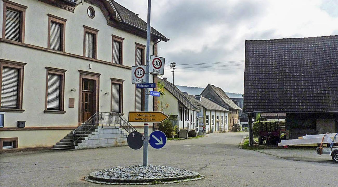 Ursprünglich sollte neben der Schule e...rgerhauses ist nun aber wieder offen.     Foto: Archivbild: sattelberger