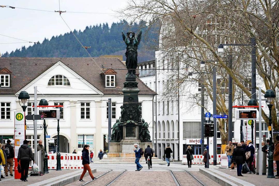 Das Siegesdenkmal von 1876 und der Platz am Ende der Kaiser-Joseph-Straße  | Foto: thomas kunz