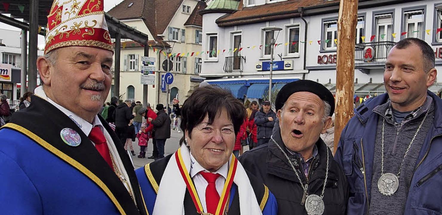 Die Geehrten: Ozume Michael Birlin, Zu...d Narrenbaum-Traktorfahrer Andreas Bär    Foto: Boris Burkhardt