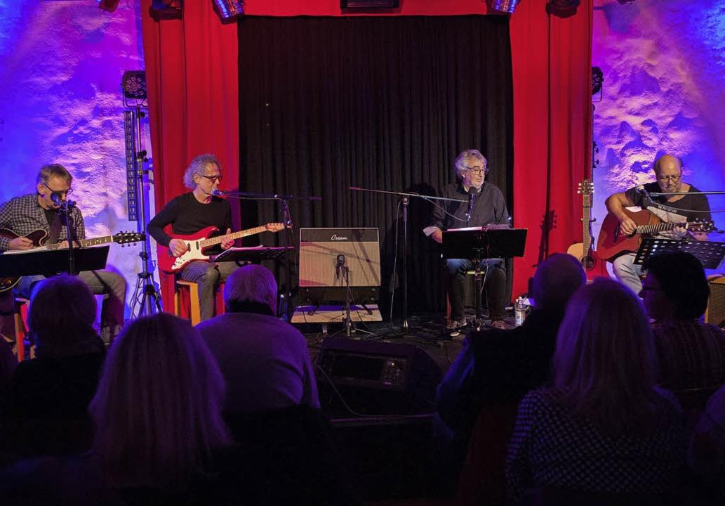 Zwischen den Eagles und den Beatles: die vier Musiker von R & B    Foto: Alexandra buss