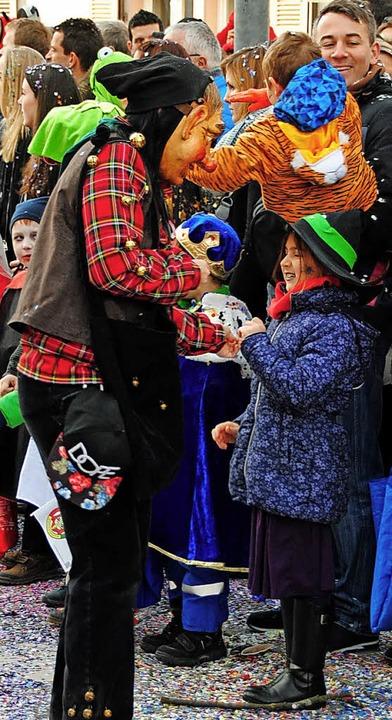 Die Kinder hatten viel Spaß am Beschenktwerden.  | Foto: Norbert Sedlak