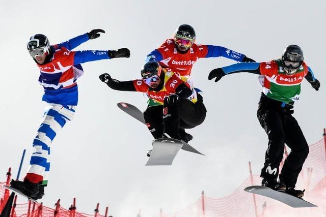 Video: Snowboard-Crosser heizen den Feldberg hinunter