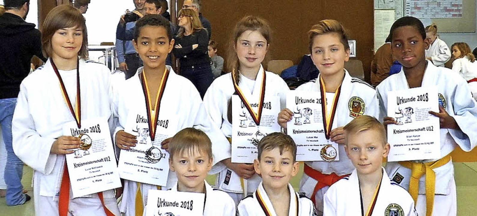 Jede Menge Medaillen: Die Neustädter U...reismeisterschaft zahlreiche Siege.     | Foto: müller