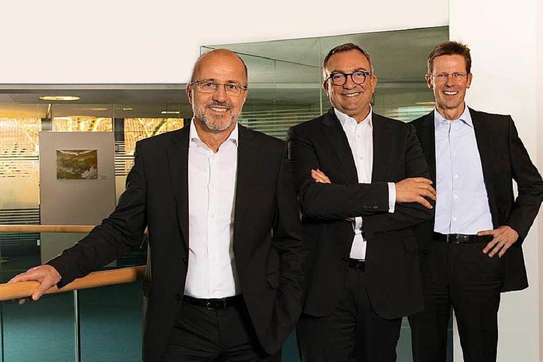 Die Vorstände der Sparkasse Markgräfle... dem Geschäftsergebnis 2017 zufrieden.    Foto: Sabine Schueler