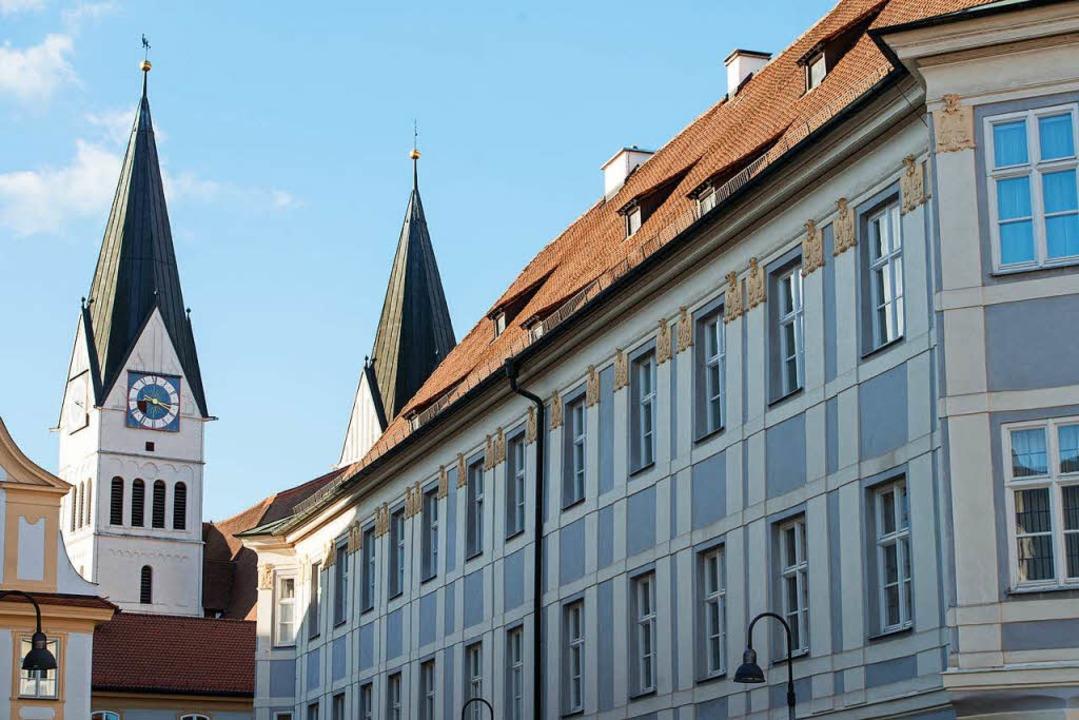Das Bischofshaus in Eichstätt vor dem Dom    Foto: dpa