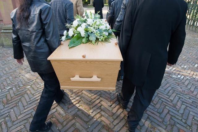 Wenn das Geld für die Bestattung nicht reicht