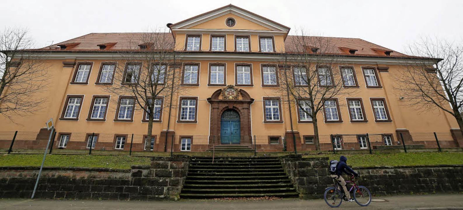 Das Gerüst ist weg, es gibt wieder fre...ge Schulhaus in der Freiburger Straße.  | Foto: Sandras Decoux-KOne