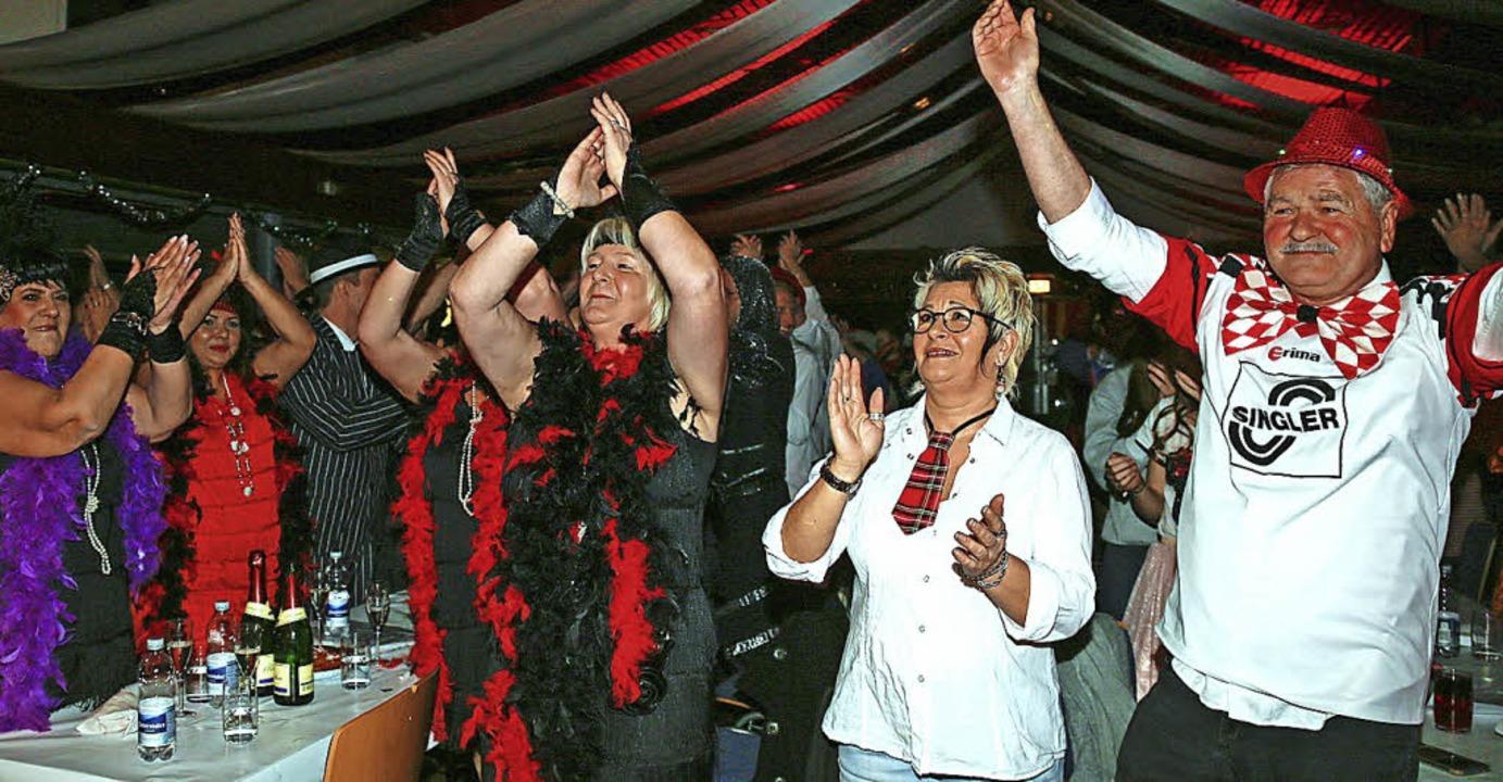 In Feierlaune waren die Besucher des Balls.   | Foto: Sandra Decoux-Kone