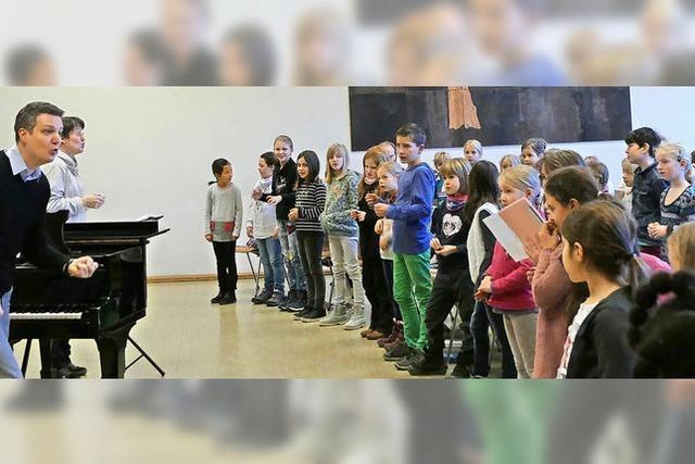 Singende Gespenster feiern eine fröhliche Party in Schopfheim