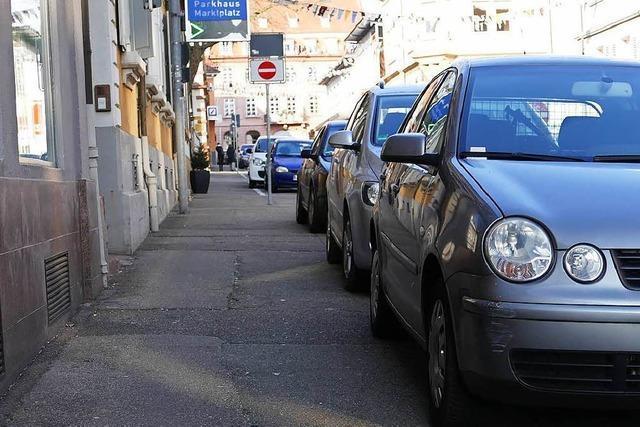 Lahr geht gegen Gehwegparker vor – aber zunächst sanft